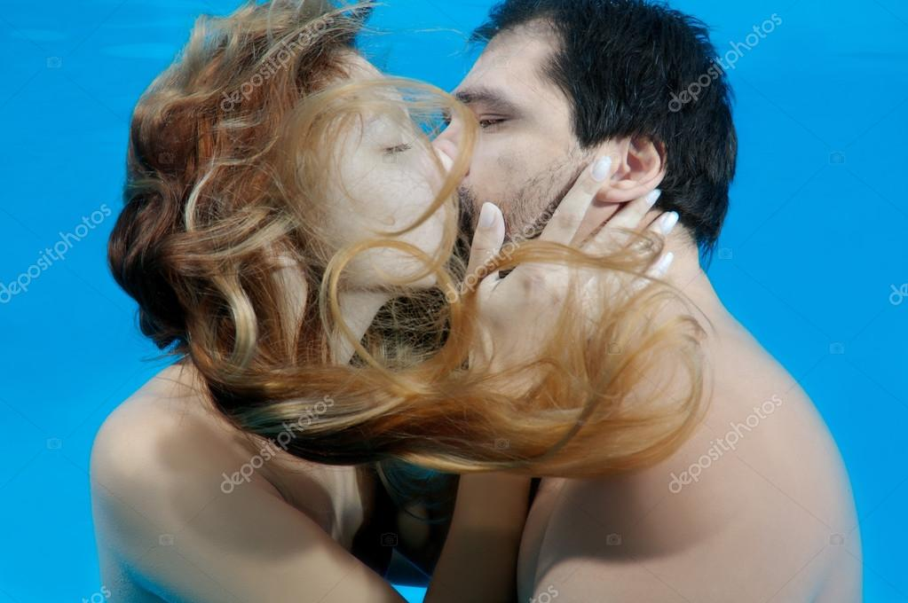 Women long hair kissing pictures