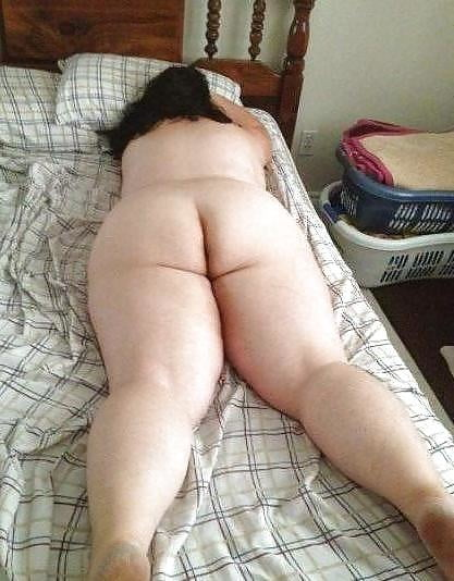 Passed out naked mom gets fucked